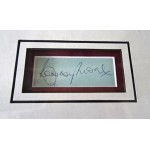 Bobby Moore World Cup 1966 West Ham signed genuine signature autograph display