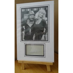 Benny Hill Comedy signed authentic genuine signature autograph display