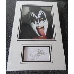 Gene Simmonds Kiss authentic signed genuine autograph photo display