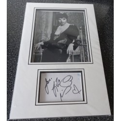 Liza Minelli authentic signed genuine autograph photo display