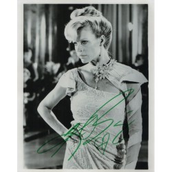 Kim Bassinger James Bond genuine authentic autograph signed photo.