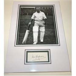 Don Bradman Cricket genuine signed autograph signature display.