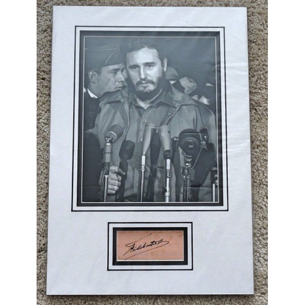 Fidel Castro signed authentic genuine signature autograph display
