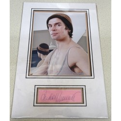 Rudolph Nureyev ballet signed genuine signature autograph display RACC
