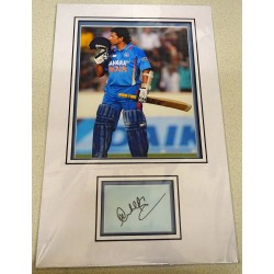Sachin Tendulkar Cricket signed genuine signature autograph display UACC