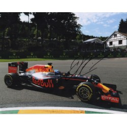 Daniel Ricciardo Red Bull F1 signed genuine signature authentic photo