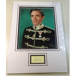 Mel Ferrer signed genuine signature autograph display RACC