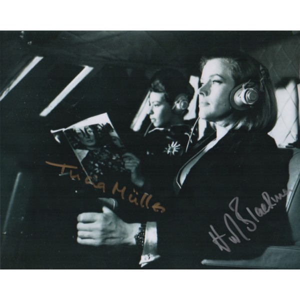 Honor Blackman Tricia Muller James Bond signed authentic autograph photo