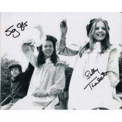 Jenny Agutter Sally Thomsett Railway Children signed original genuine autograph authentic photo