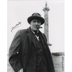 Robert Hardy Winston Churchill genuine signed authentic signature photo