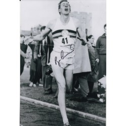 Roger Bannister 4 minute mile authentic genuine signed photo COA UACC