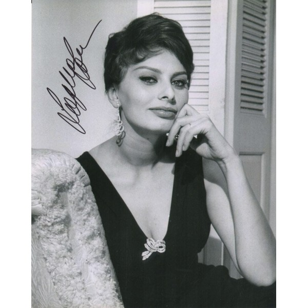 Sophia Loren signed genuine signature photo UACC RACC