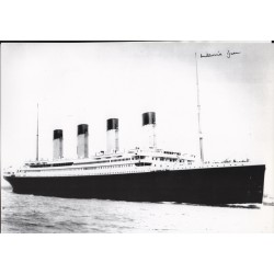RMS Titanic Millvina Dean authentic genuine signed image survivor COA
