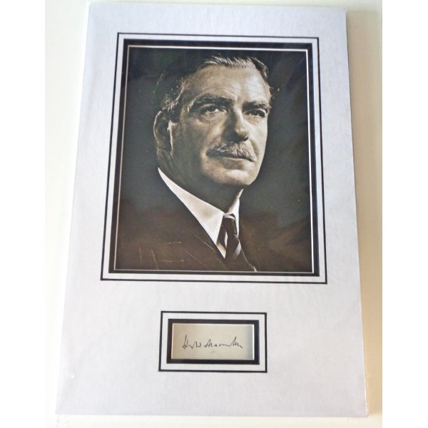 Harold MacMillan PM genuine authentic signed autograph display