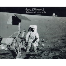 Alan Bean Apollo 12 LMP space genuine authentic autograph signed photo.