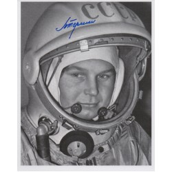 Valentina Tereshkova space Russia genuine signed authentic signature photo COA