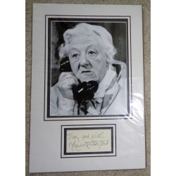 Margaret Rutherford genuine authentic signed autograph signature display