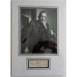 Noel Coward genuine authentic autograph signature display 2