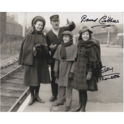 Sally Thomsett Cribbins Railway Children genuine signed authentic autograph photo