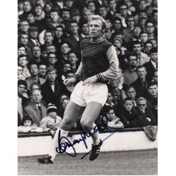 Bobby Moore West Ham WC 1966 authentic genuine signed autograph COA UACC