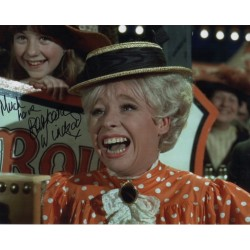 Barbara Windsor Chitty Chitty signed authentic genuine signature photo
