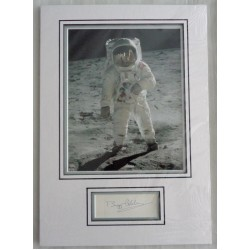 Buzz Aldrin Apollo 11 genuine authentic signed autograph display