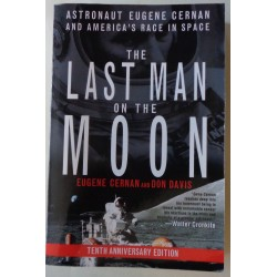 Eugene Cernan Apollo 17  genuine signed authentic signature book COA