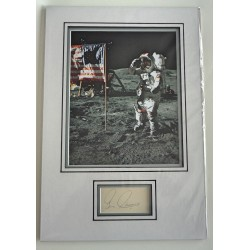 Eugene Gene Cernan Apollo signed genuine signature autograph display COA