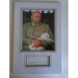 Donald Pleasance James Bond signed authentic signature autograph display