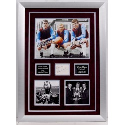 West Ham Bobby Moore Hurst  signed genuine signature autograph display COA