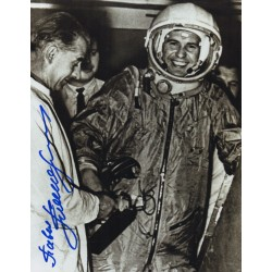Pavel Popovich cosmonaut authentic signed Genuine signature photo