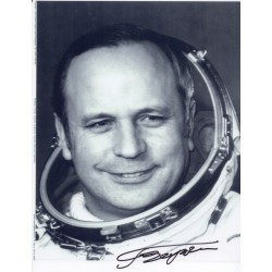 Victor Gorbatko cosmonaut  signed Genuine signature photo