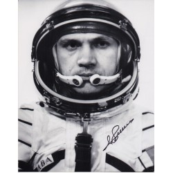 Vladimir Dzhanibekov cosmonaut authentic signed Genuine signature photo