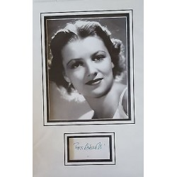 Peggy Ashcroft authentic signed autograph display OB76
