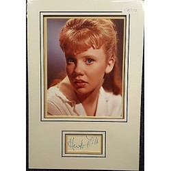 Hayley Mills authentic signed autograph display OB237