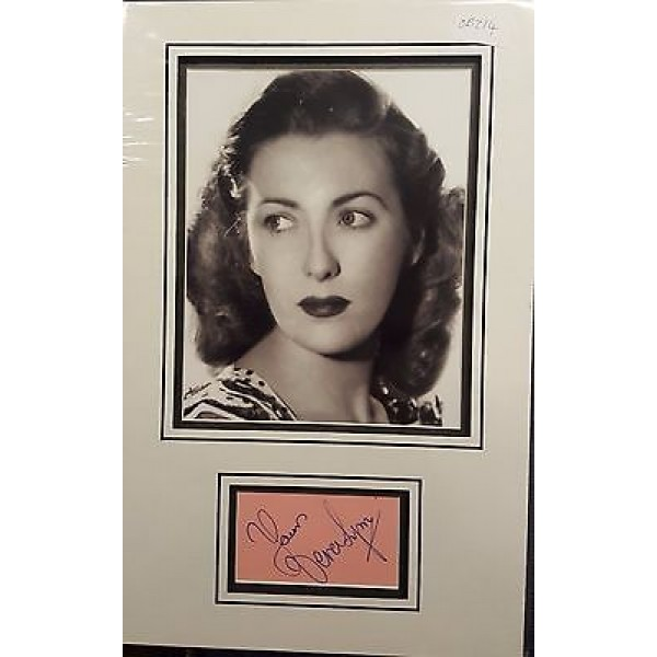 Dame Vera Lynn authentic signed autograph display OB214