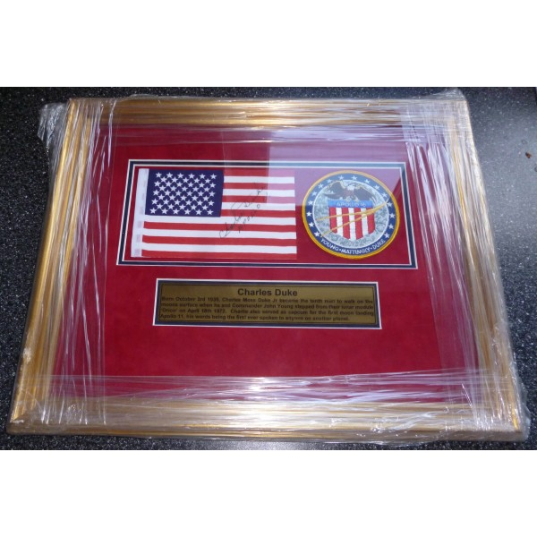 Charlie Duke Apollo genuine authentic autograph signed flag