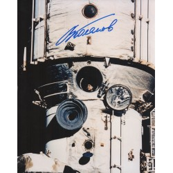 Cosmonaut Valery Polyakov authentic signed autograph photo