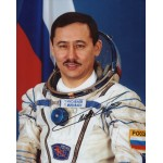 Cosmonaut Talgat Musabayev authentic signed autograph photo 2