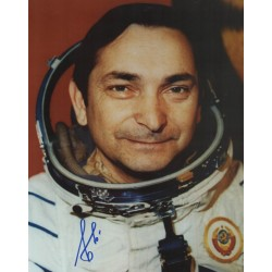 Cosmonaut Valery Bykovsky genuine authentic signed autograph image