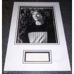 Julie Andrews genuine authentic autograph signed display