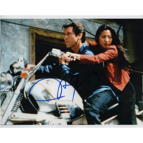 Michelle Yeoh James Bond genuine authentic autograph signed photo 4