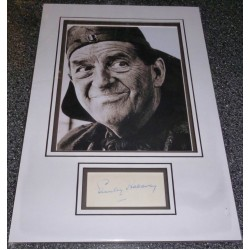 Stanley Holloway genuine authentic autograph signed display