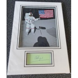 Alan Shephard Apollo 14 signed genuine signature autograph display