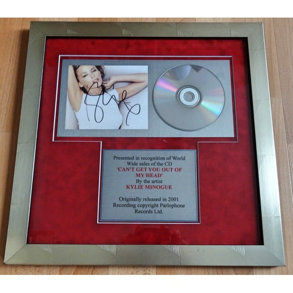 "Kylie Minogue ""Cant Get You Out of my Head' signed genuine autograph CD display"