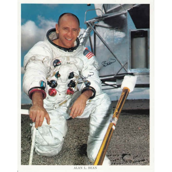 Autopen Alan Bean APOLLO  genuine signed NOT authentic autograph AUTOPEN