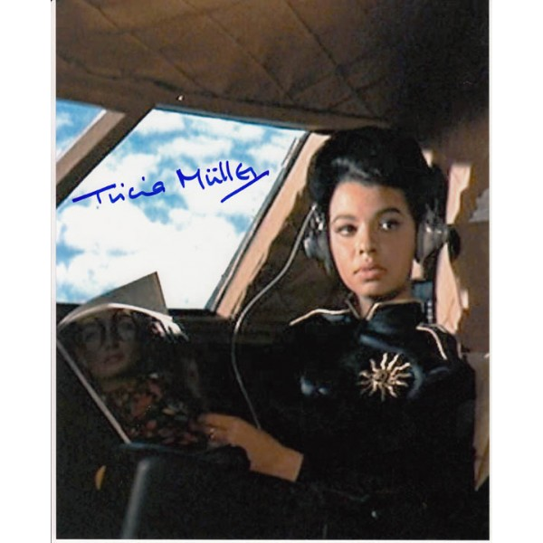 James Bond Tricia Muller  genuine signed authentic signature photo