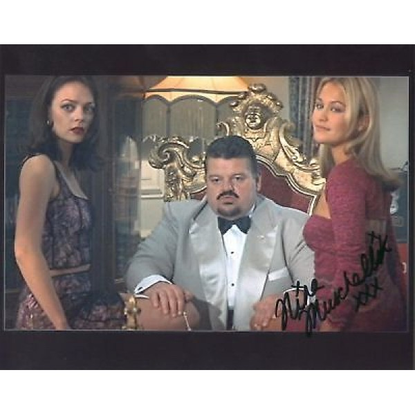 James Bond World Not Enough Nina Muschallik authentic signed autographs photo