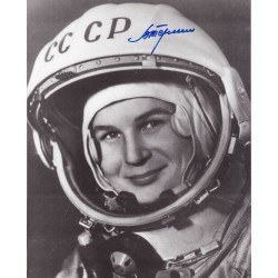 Cosmonaut Valentina Tereshkova Space authentic signed genuine autograph photo 2