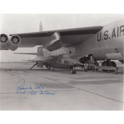 Robert 'Bob' White X15 pilot genuine signed authentic signature photo